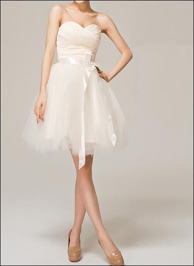 Knielanges Tüll-Brautkleid mit Korsage und Schleife WD200