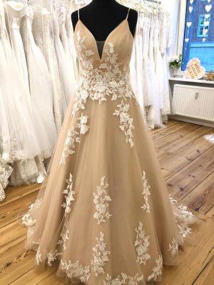 Farbiges Brautkleid