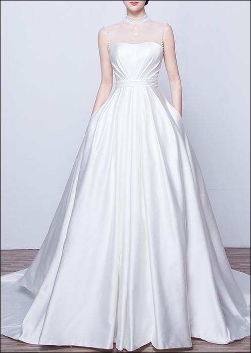 Couture Satin Brautkleid mit Tasche