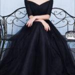 Schwarzes Abendkleid mit 3/4 Ärmeln