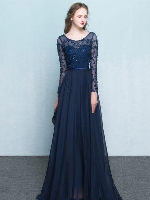 Feines Abendkleid in dunkelblau mit langen Ärmeln
