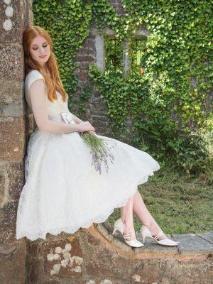 Süßes Brautkleid mit Spitzenrock