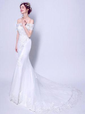 Klassisches Brautkleid im Mermaidschnitt