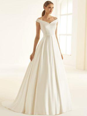 Satin Brautkleid mit Carmen Ausschnitt