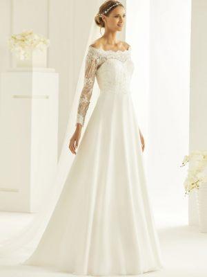 Klassisches Brautkleid mit Carmenausschnitt