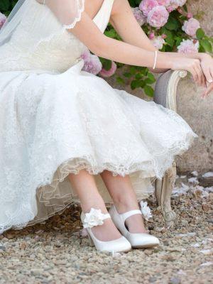 Brautschuhe mit Blume