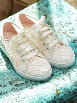 Sneaker aus Spitze