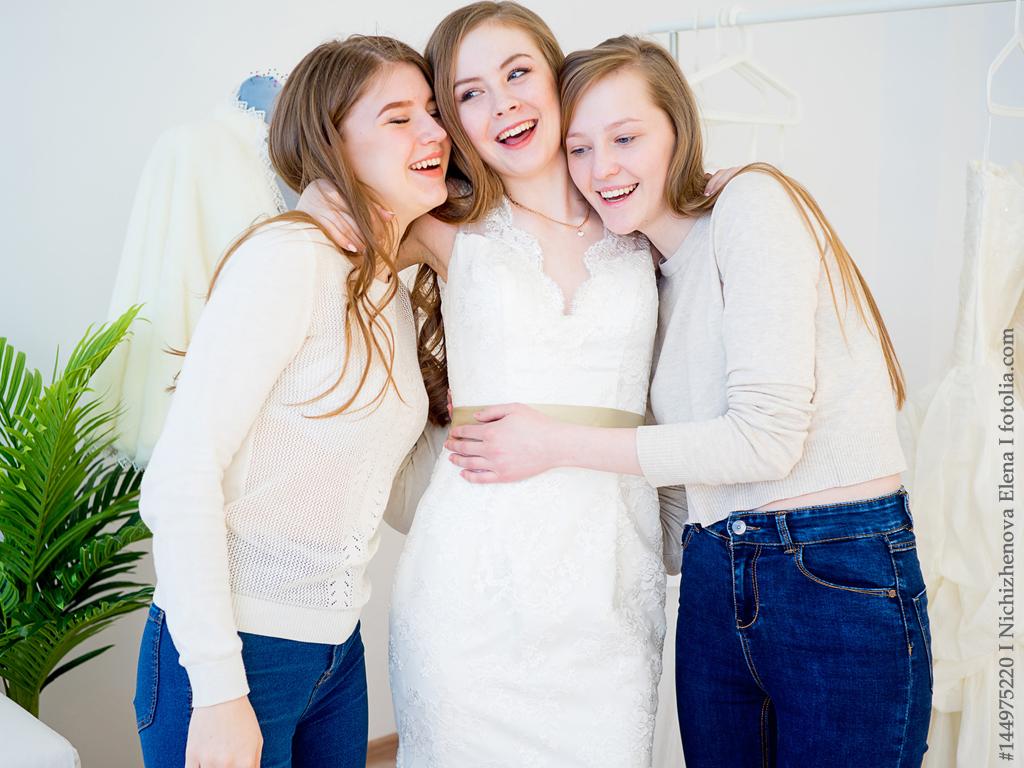 Brautkleidkaufen: wann und wer soll mitentscheiden?