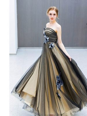Zweifarbiges Sommerkleid