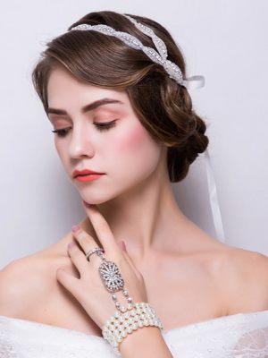 Brauthaarband und Handschmuck