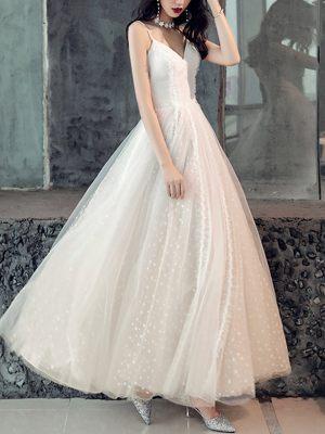 Knöchellanges Brautkleid mit Pünktchentüll