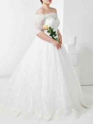 Brautkleid mit Carmen Ausschnitt und Ärmeln