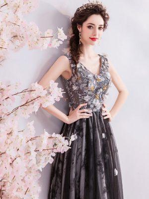 Schwarz-Graues Kleid mit Blumen