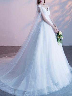 Brautkleid mit Schleiercape