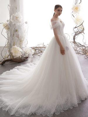 Prinzessinnen Brautkleid mit Tüllcarmenträgern
