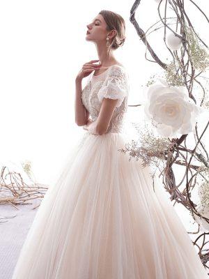 Prinzessin Brautkleid mit kurzen Puffärmeln