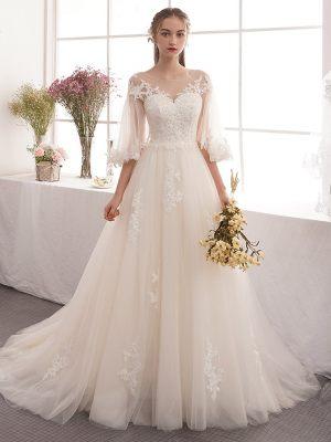 Romantisches Brautkleid mit Fledermausärmeln