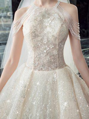 Prinzessinnen Brautkleid mit amerikanischem Ausschnitt
