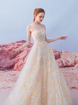 Süßes Brautkleid