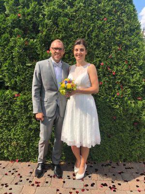 """""""Liebes Lafanta-Team! Am 28.7. habe ich in einem eurer Kleider geheiratet. Vielen Dank für eure tolle Beratung und Betreuung! Liebe Grüße, Claudia"""""""