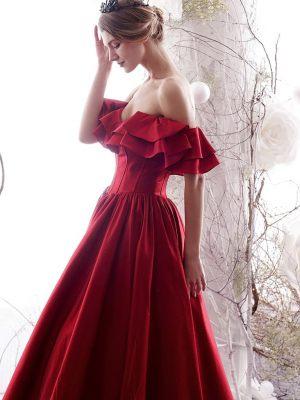 Brautkleid-Rot