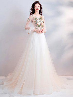 Farbiges-Brautkleid